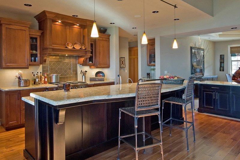 Craftsman Interior - Kitchen Plan #124-753 - Houseplans.com