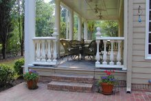 Classical Exterior - Covered Porch Plan #137-222
