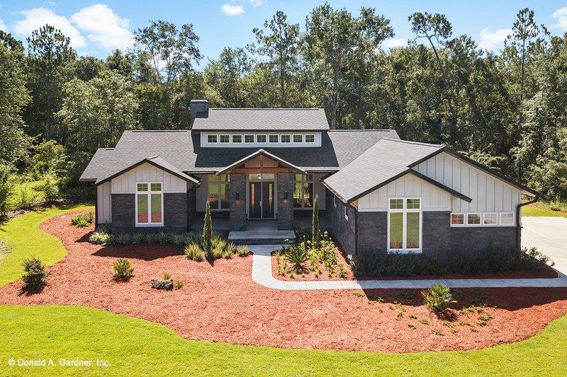 House Plan Design - Prairie Exterior - Front Elevation Plan #929-1001
