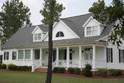 Southern Style House Plan - 3 Beds 3.5 Baths 2557 Sq/Ft Plan #137-138