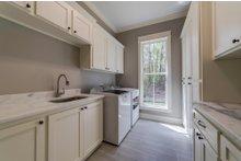 Craftsman Interior - Laundry Plan #430-174