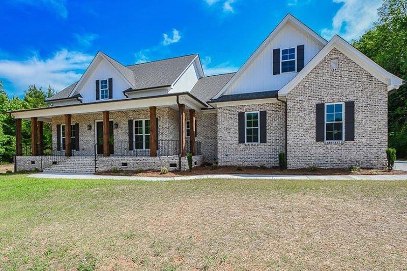 Architectural House Design - Farmhouse Exterior - Front Elevation Plan #430-147