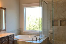 Craftsman Interior - Master Bathroom Plan #437-85