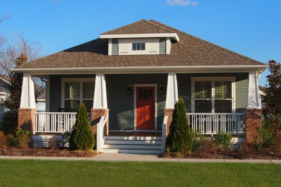 Bungalow Exterior - Front Elevation Plan #461-67