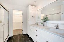 Farmhouse Interior - Master Bathroom Plan #1070-1