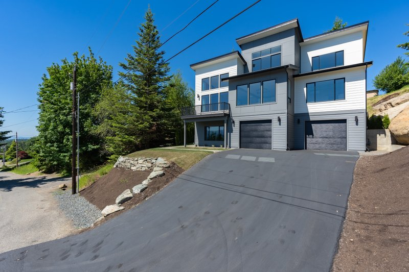 House Plan Design - Contemporary Exterior - Front Elevation Plan #1070-145