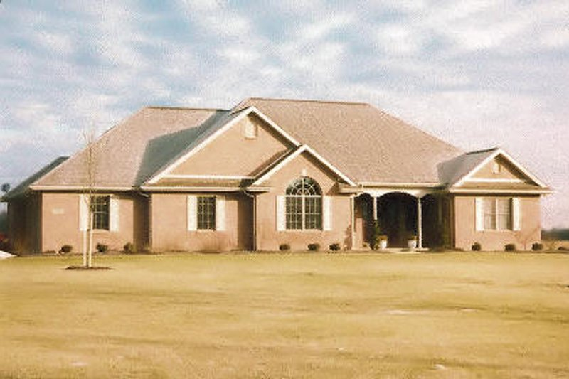 Modern Style House Plan - 3 Beds 2.5 Baths 2098 Sq/Ft Plan #421-114 Exterior - Front Elevation
