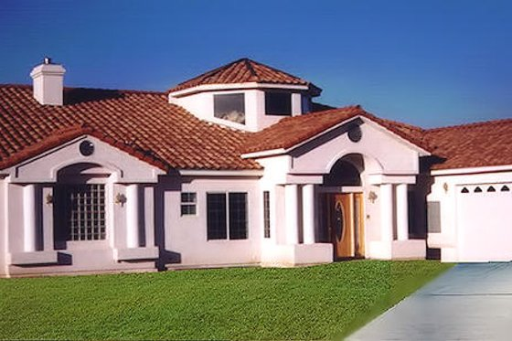 Mediterranean Exterior - Front Elevation Plan #1-910