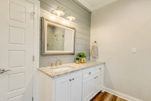Traditional Interior - Master Bathroom Plan #430-228