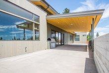 Right Side Porch/Patio