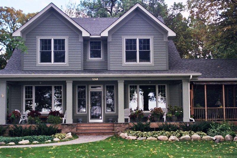 Farmhouse Exterior - Front Elevation Plan #51-306