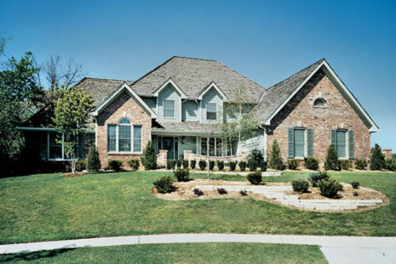 Traditional Exterior - Front Elevation Plan #57-205 - Houseplans.com