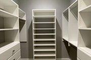 Craftsman Style House Plan - 4 Beds 3.5 Baths 3088 Sq/Ft Plan #437-111 Interior - Bathroom