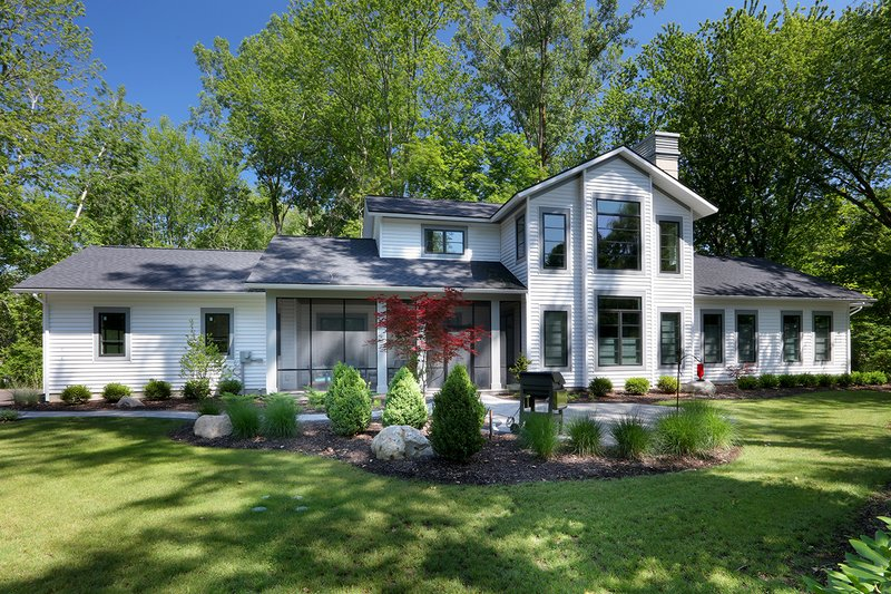 Contemporary Exterior - Front Elevation Plan #928-326