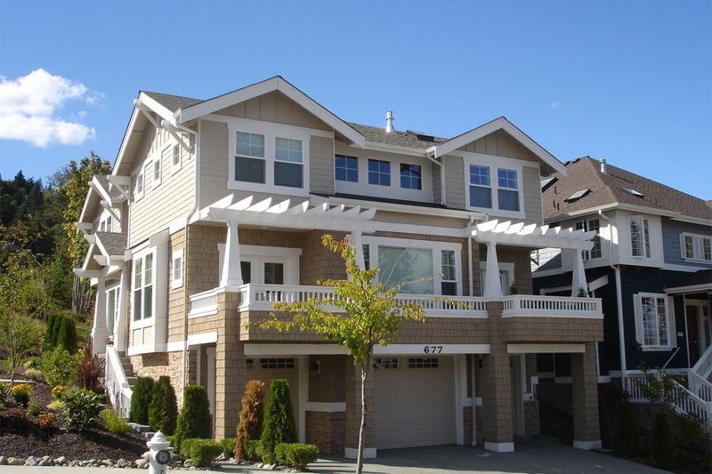Craftsman Style House Plan - 3 Beds 2.5 Baths 3175 Sq/Ft Plan #132-133 Photo