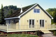 Ranch Style House Plan - 2 Beds 1 Baths 984 Sq/Ft Plan #312-756