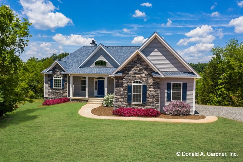 Dream House Plan - Country Exterior - Front Elevation Plan #929-818