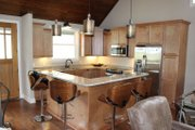 Country Style House Plan - 3 Beds 2.5 Baths 1814 Sq/Ft Plan #932-2 Interior - Kitchen