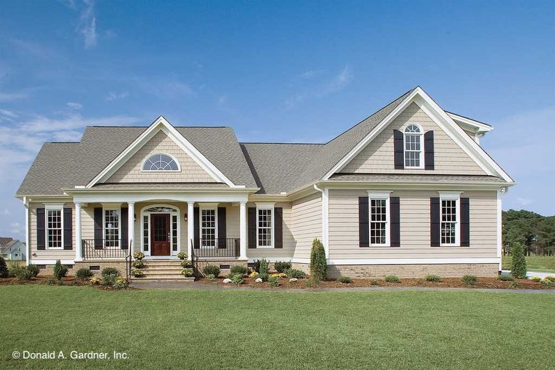 Home Plan - Country Exterior - Front Elevation Plan #929-11