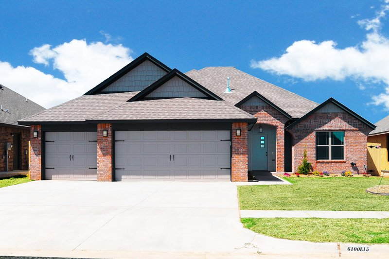 Traditional Style House Plan - 3 Beds 2 Baths 1645 Sq/Ft Plan #65-510
