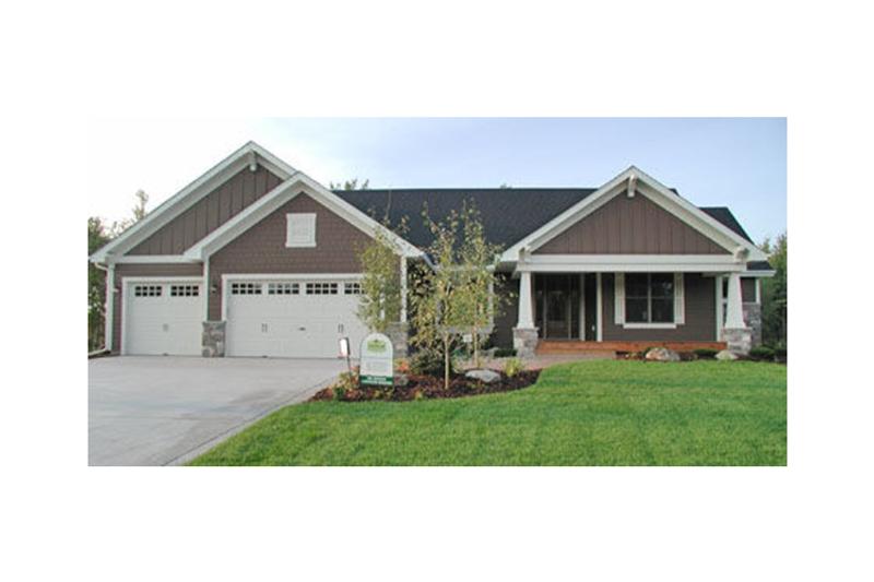 Dream House Plan - Craftsman Exterior - Front Elevation Plan #51-355