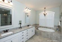 Craftsman Interior - Master Bathroom Plan #929-949
