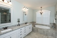 House Plan Design - Craftsman Interior - Master Bathroom Plan #929-949