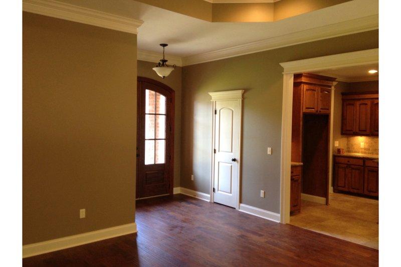 Traditional Interior - Entry Plan #430-87 - Houseplans.com