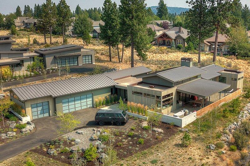 House Plan Design - Contemporary Exterior - Front Elevation Plan #892-22