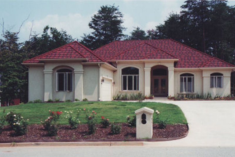 Dream House Plan - Mediterranean Exterior - Front Elevation Plan #437-26