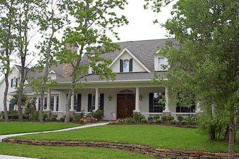 Colonial Exterior - Front Elevation Plan #61-387