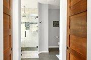 Craftsman Style House Plan - 3 Beds 2.5 Baths 2297 Sq/Ft Plan #1070-15 Interior - Master Bathroom