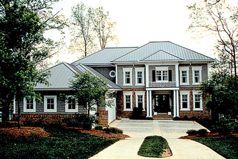 Colonial Exterior - Front Elevation Plan #453-17
