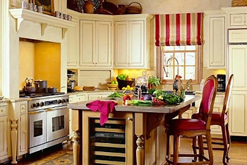 Colonial Interior - Kitchen Plan #137-230 - Houseplans.com