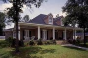 Southern Style House Plan - 4 Beds 3 Baths 2824 Sq/Ft Plan #37-124 Exterior - Front Elevation