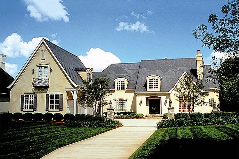 Dream House Plan - European Exterior - Front Elevation Plan #453-26