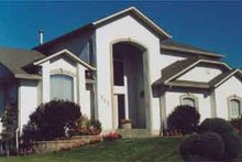 Home Plan - Mediterranean Exterior - Front Elevation Plan #126-136