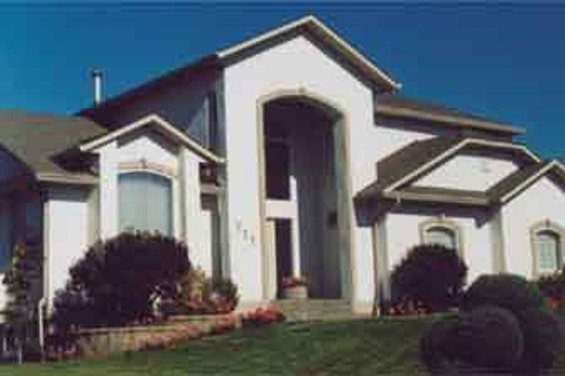Dream House Plan - Mediterranean Exterior - Front Elevation Plan #126-136