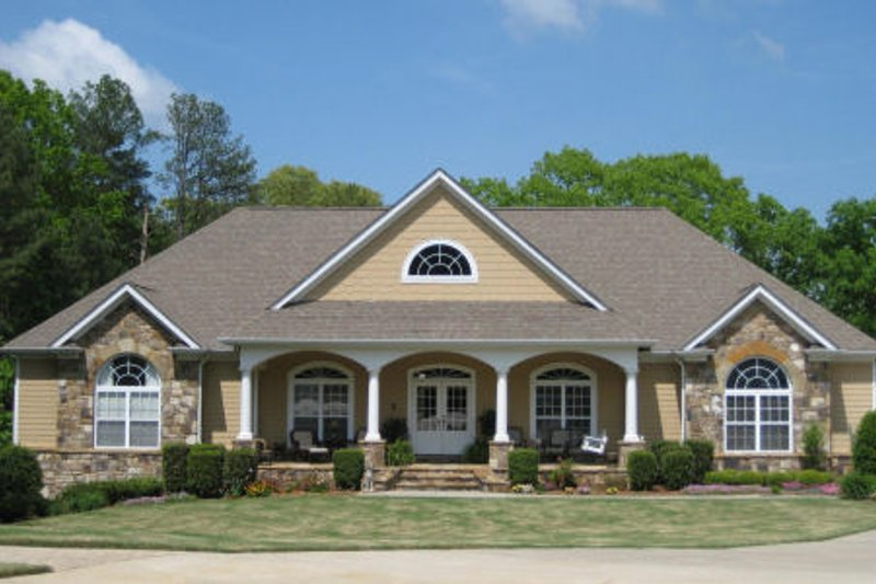 House Plan Design - Country Exterior - Front Elevation Plan #437-42