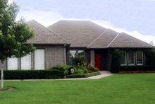 Home Plan Design - Exterior - Front Elevation Plan #52-133