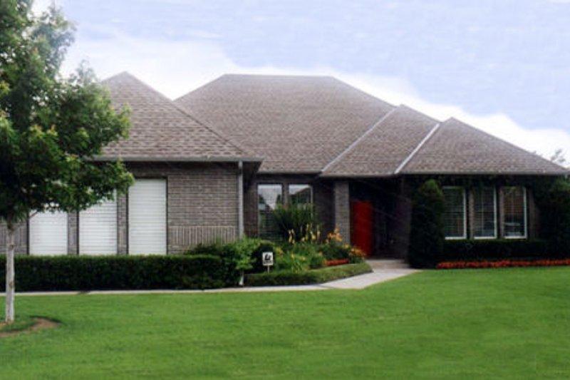 Exterior - Front Elevation Plan #52-133 - Houseplans.com