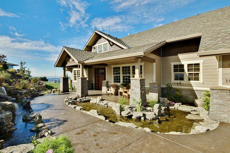 Dream House Plan - Craftsman Exterior - Front Elevation Plan #124-753