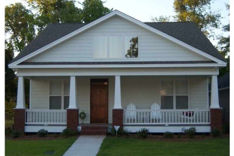 Dream House Plan - Craftsman Exterior - Front Elevation Plan #63-273