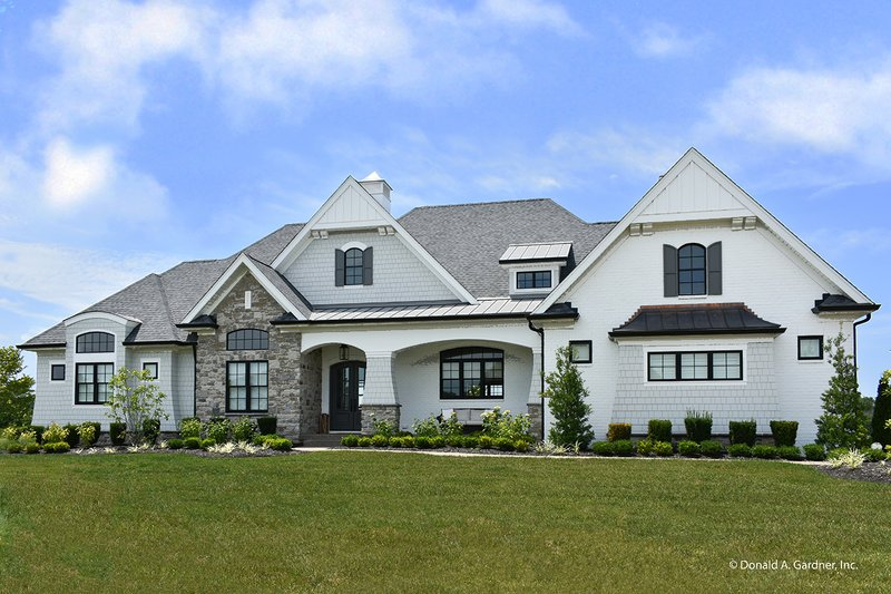European Style House Plan - 5 Beds 4 Baths 3360 Sq/Ft Plan #929-1009 Exterior - Front Elevation