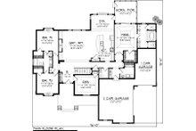Traditional Floor Plan - Main Floor Plan Plan #70-1122