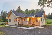 Cottage Style House Plan - 4 Beds 1.5 Baths 1680 Sq/Ft Plan #890-8 Exterior - Front Elevation