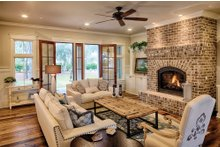 Farmhouse Interior - Family Room Plan #928-10