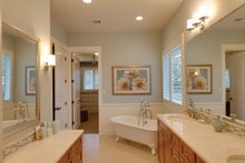 Ranch Interior - Master Bathroom Plan #935-6