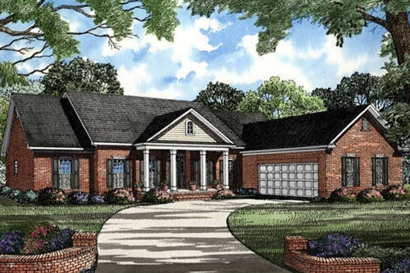 Southern Style House Plan - 4 Beds 2 Baths 2502 Sq/Ft Plan #17-120 Exterior - Front Elevation