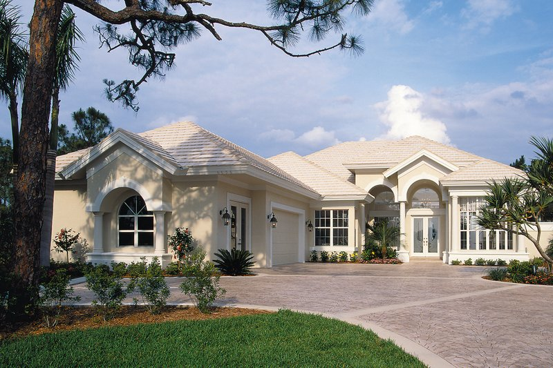 Contemporary Style House Plan - 3 Beds 3 Baths 2794 Sq/Ft Plan #930-17